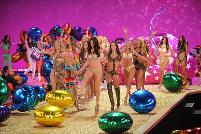 VICTORIA'S SECRET FASHION SHOW TIME-LAPSE